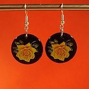 Gul rose p� sort